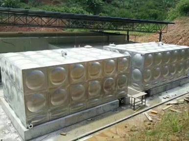 磨憨工地 矩形水箱60T 2台